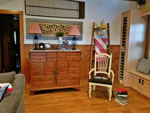 farmhouse furniture and wall decor