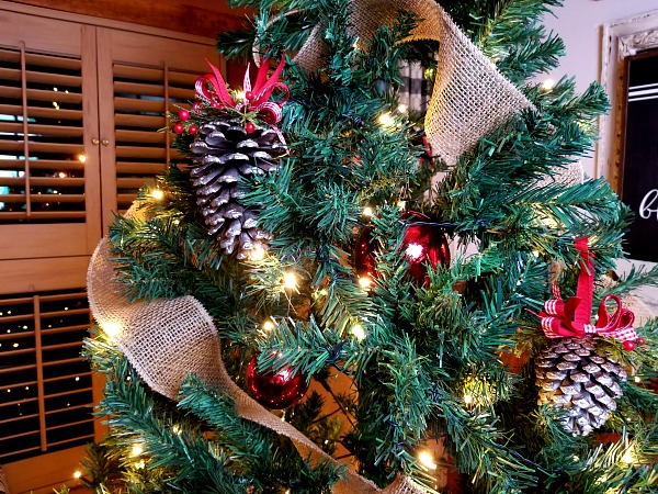 Christmas Tree with Pinecone Ornaments