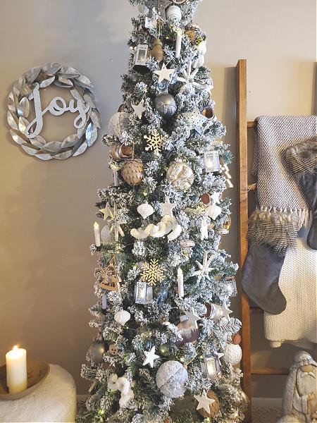 silver and tan Christmas tree